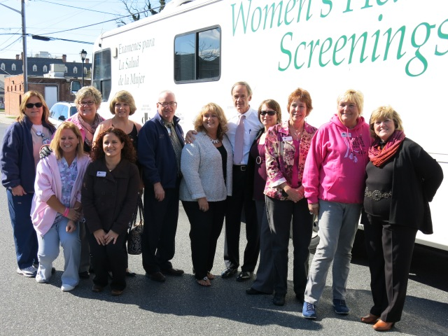 DBCC Van in Georgetown With Sen. Carper and the Delaware Division of Public Health